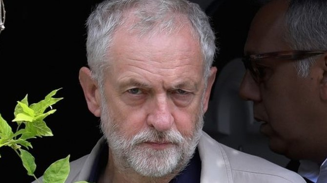 英国民投票】労働党・影の内閣で...